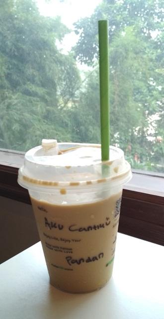 Iced Pandan Latte dari kafe Fore Coffee