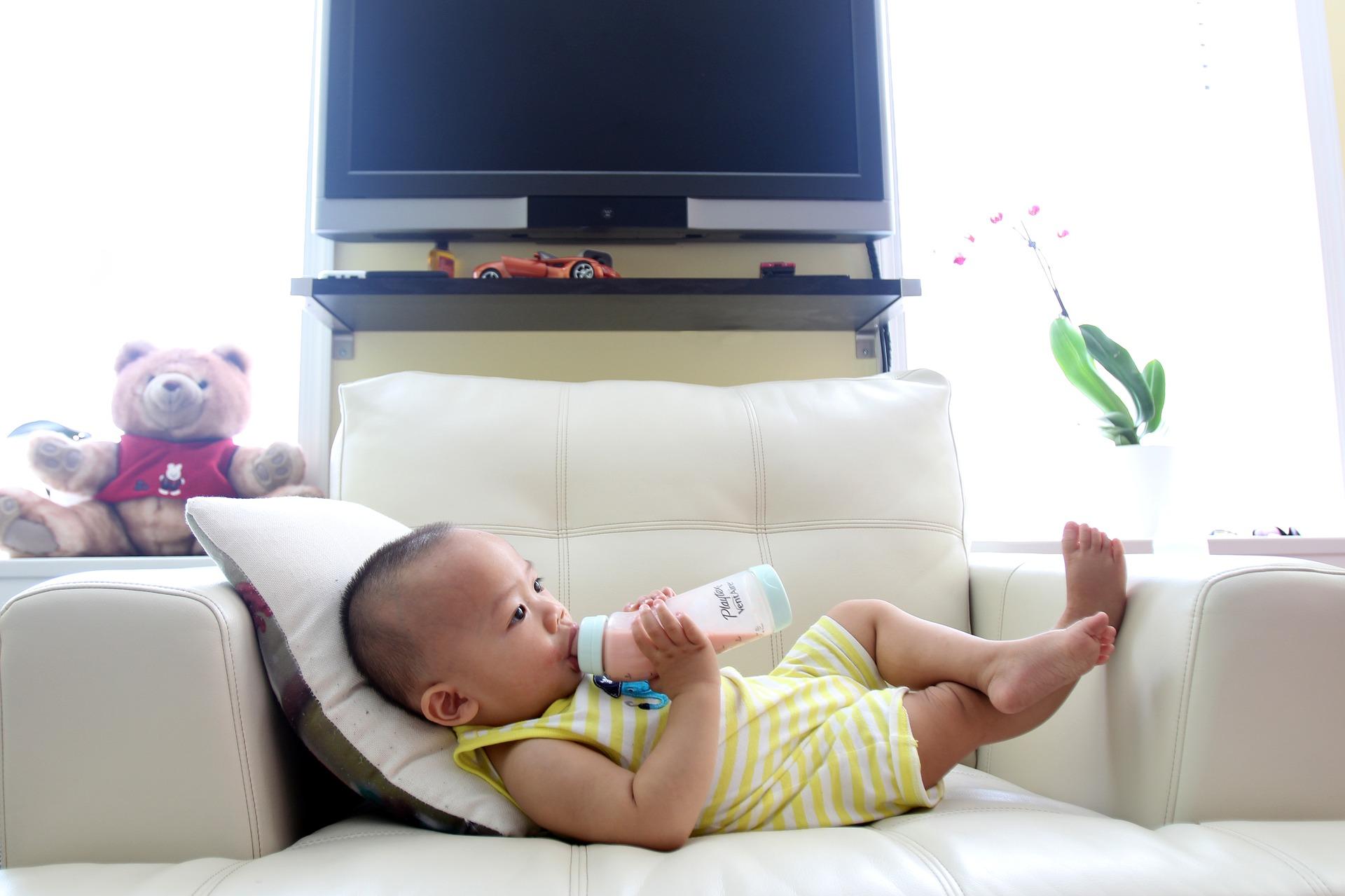 cara menyapih anak dengan botol susu