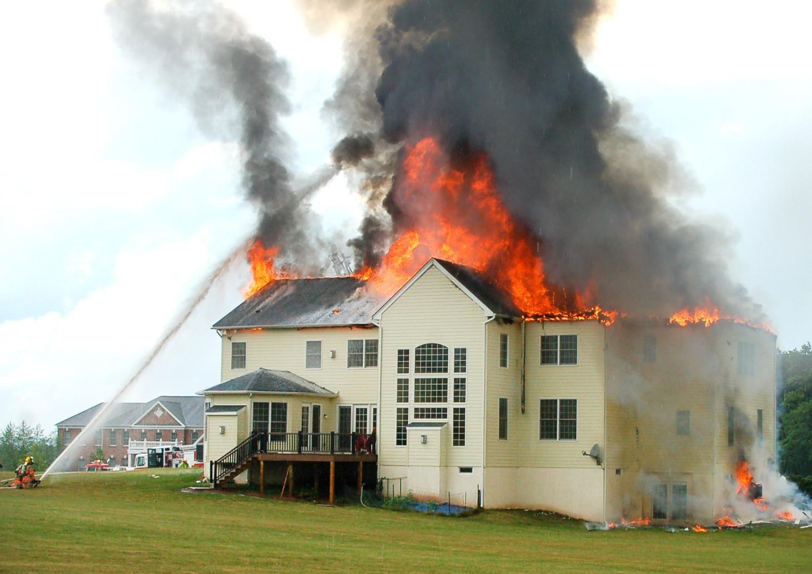Ilustrasi Asuransi Kebakaran rumah