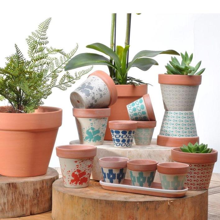 Pot tanaman tanah liat